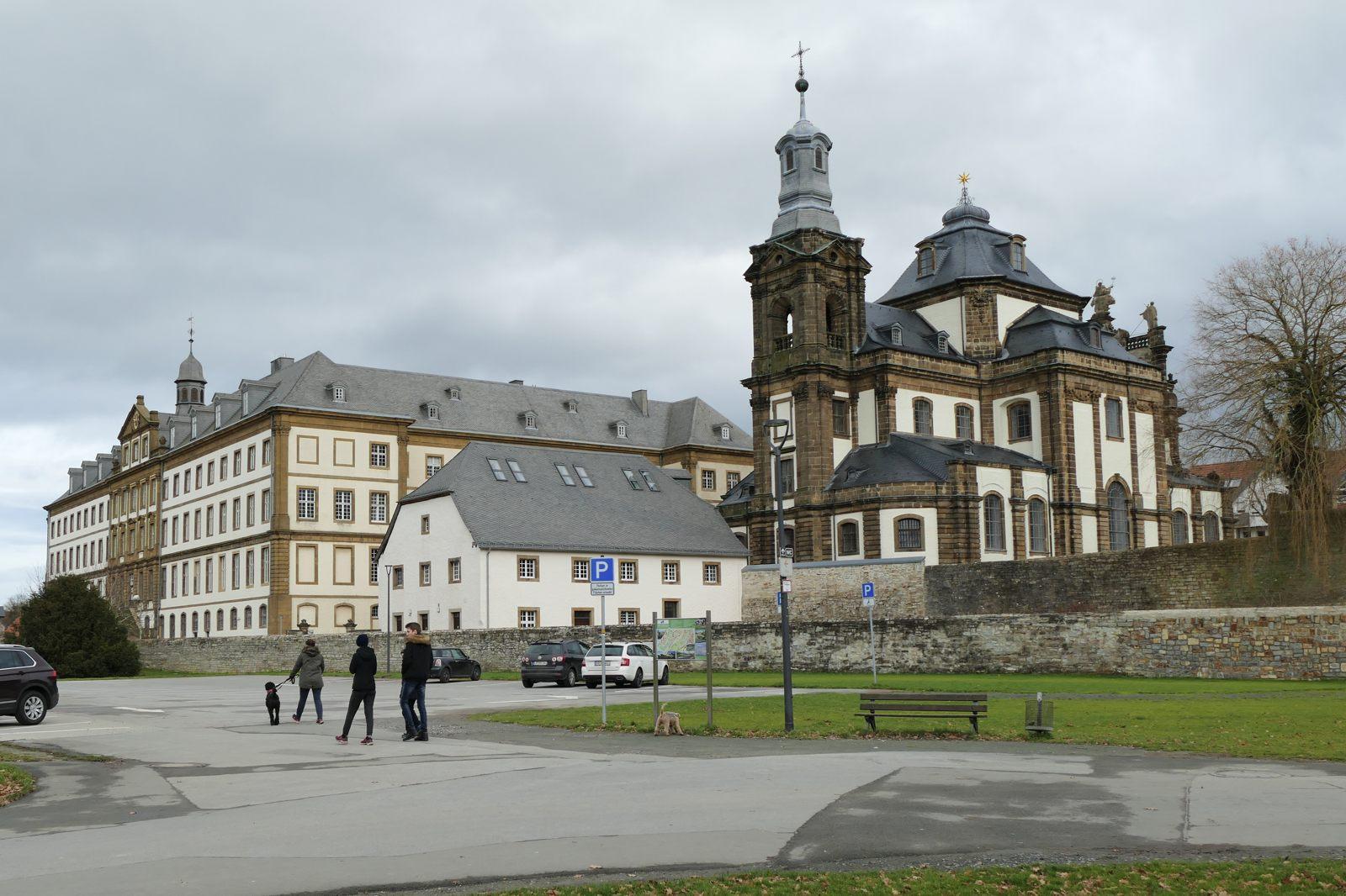 Kirche und Schule