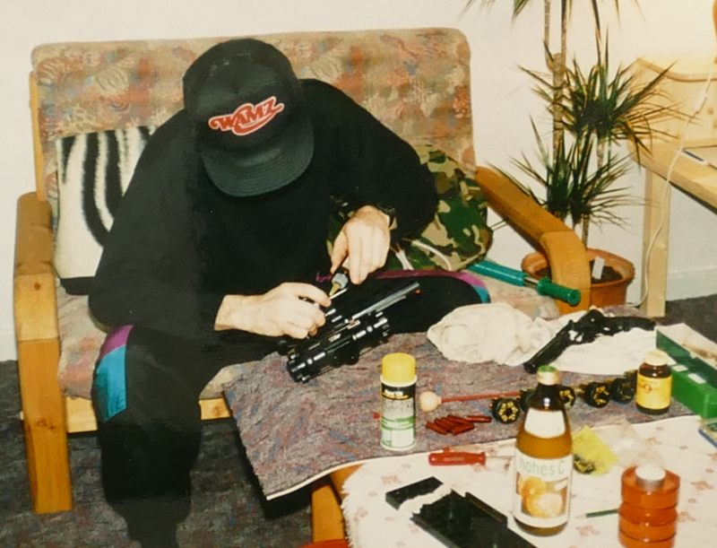 Waffenpflege im eigenen Wohnzimmer
