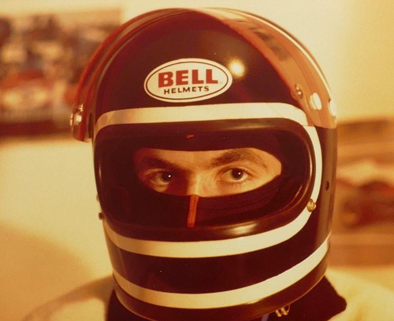 Helm im Jacky Ickx-Design