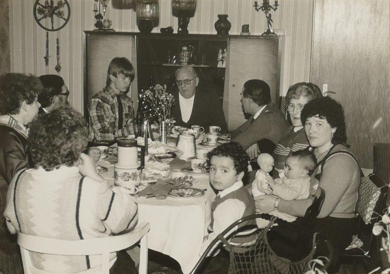 Besuch von Meiers; Rita mit Kindern