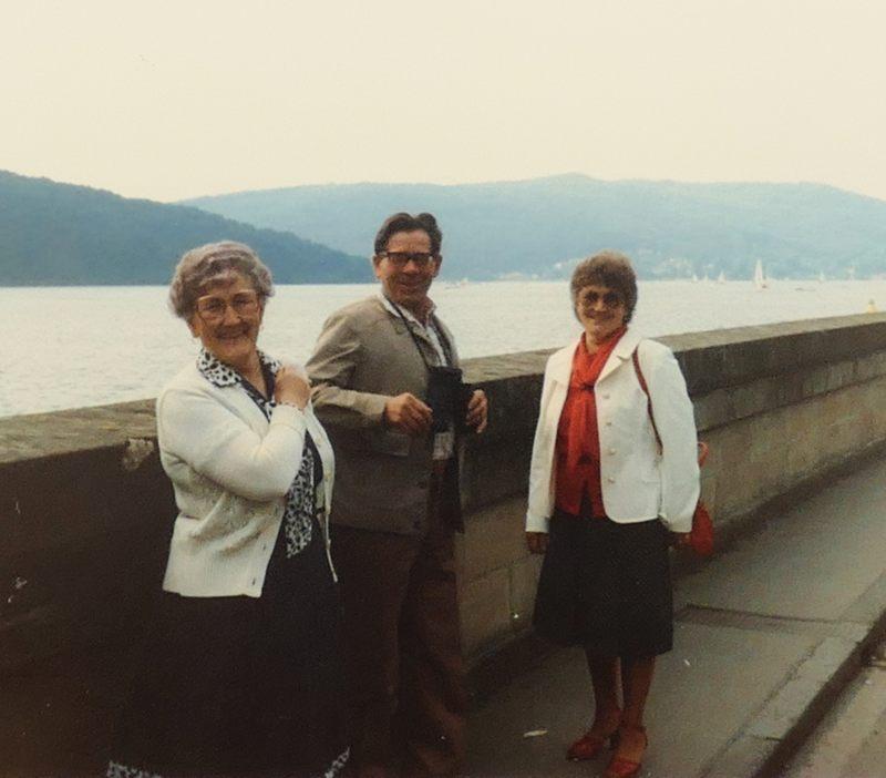 Maria und Heinz Meier mit Mama am Edersee