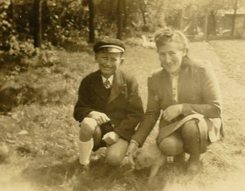 Helmut mit Mutter