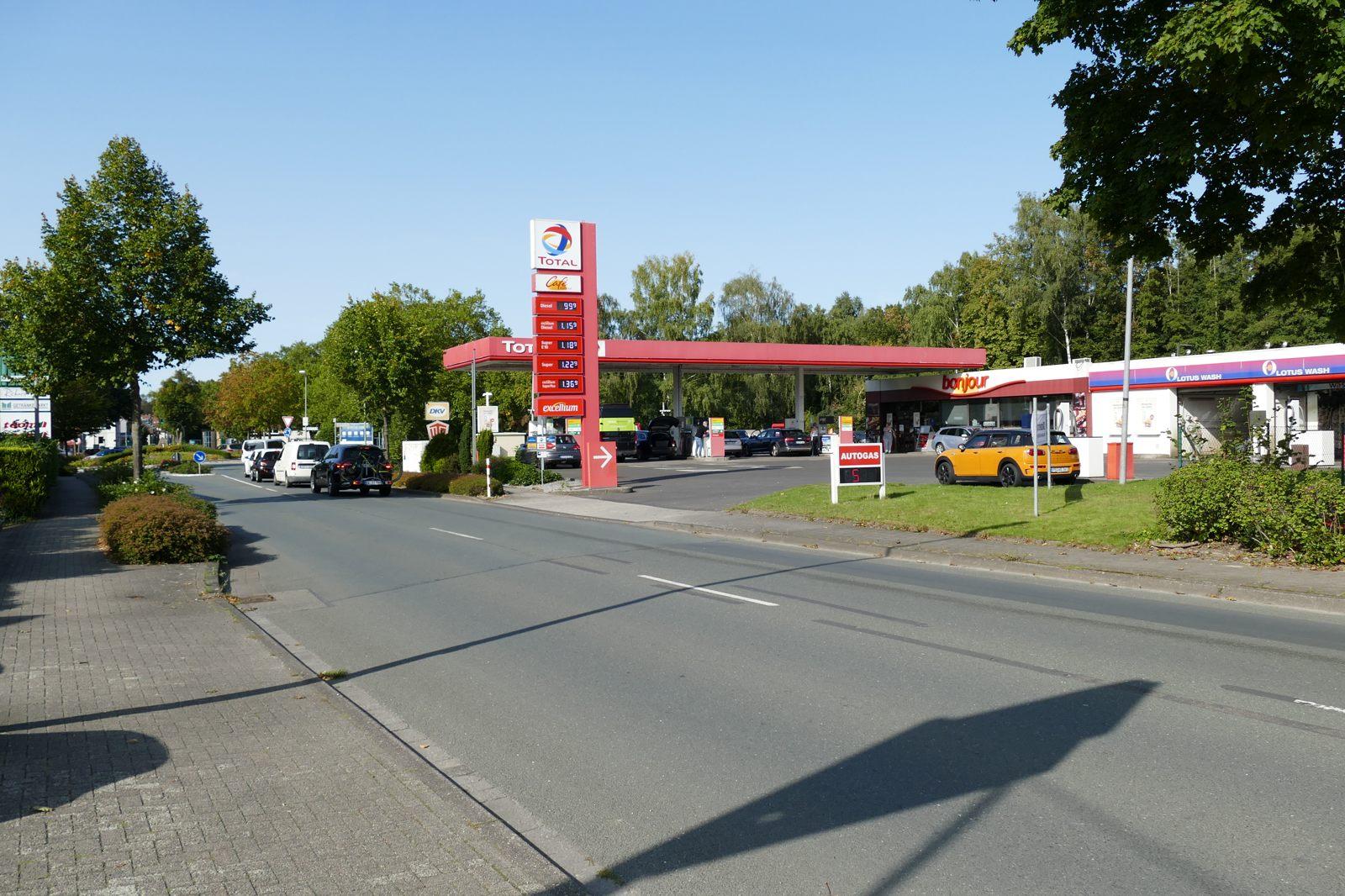 Die letzte große Tankstelle mit Service