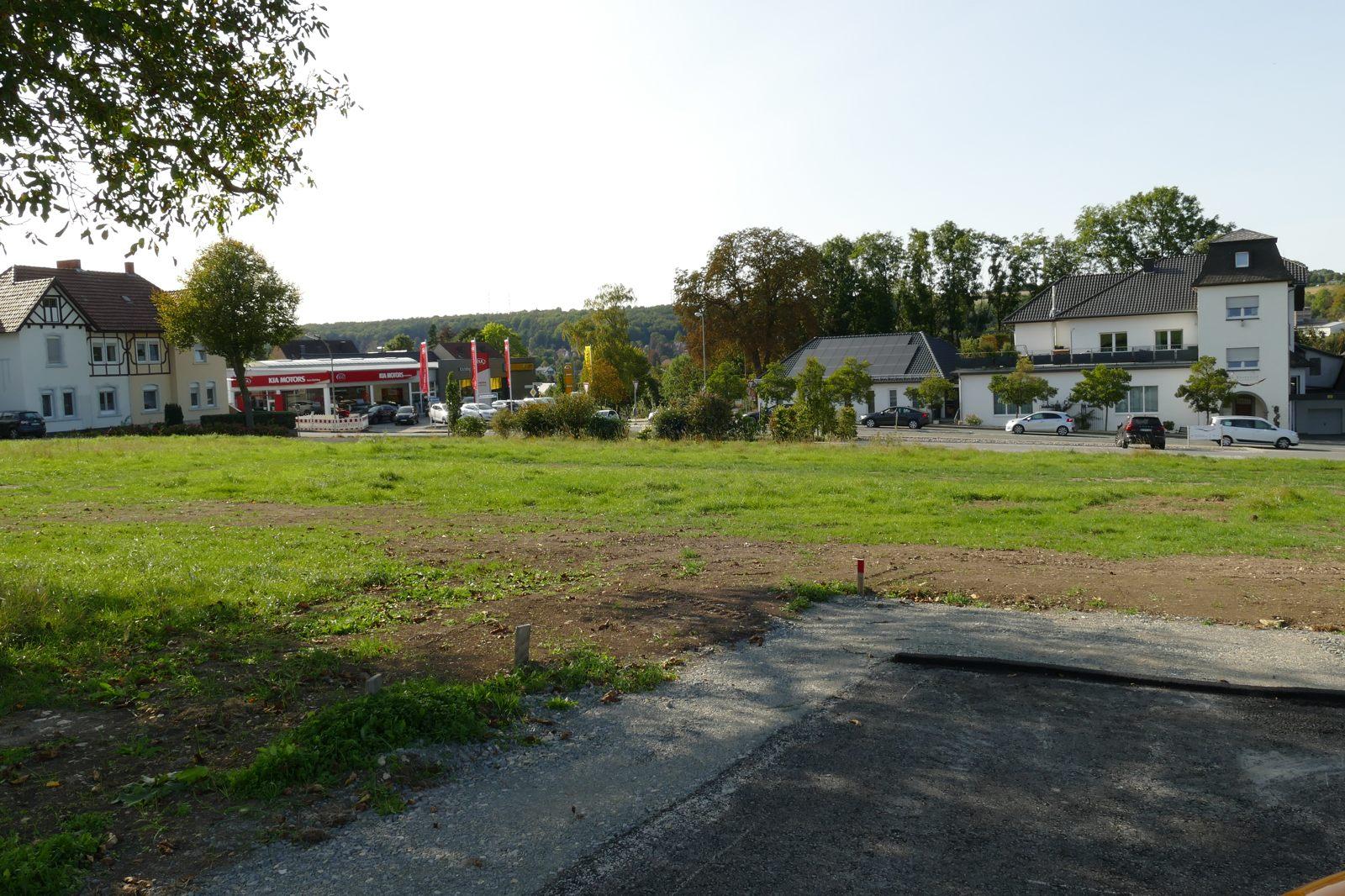 Blick vom neuen Gewerbegebiet auf die Haarener und Brenkener Straße