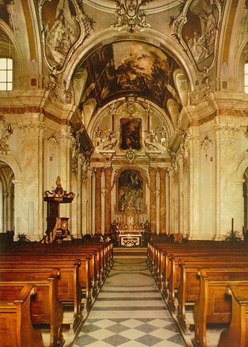 Innenraum der Jesuitenkirche in den 1970ern