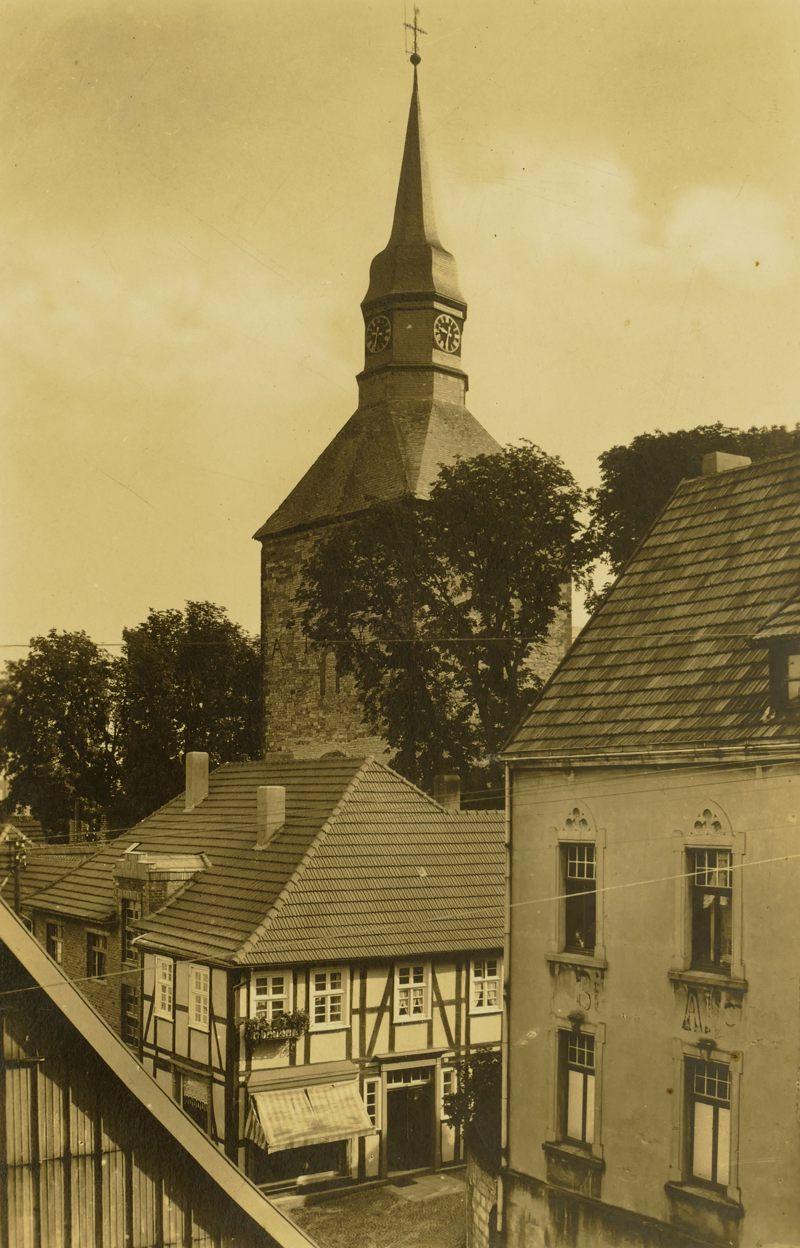 Blick auf die Pfarrkirche 1969