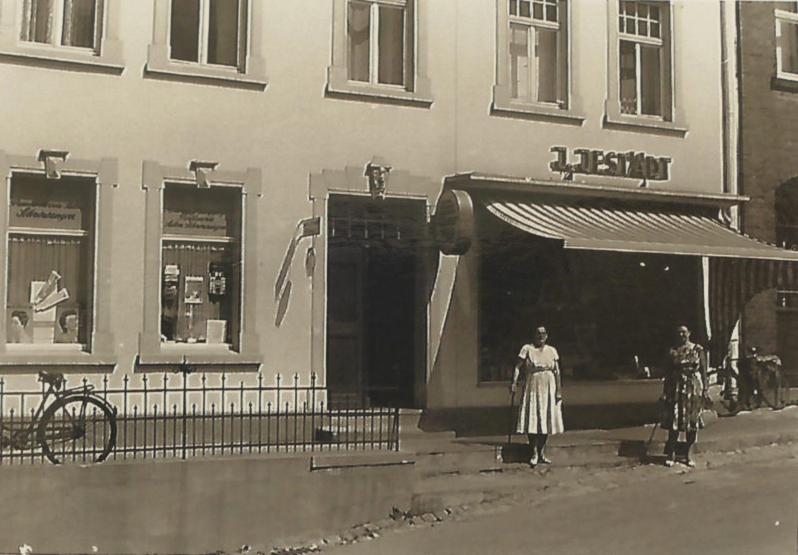 Buchhandlung Jestädt in den 1960ern