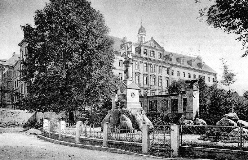 1910 Kriegerdenkmal