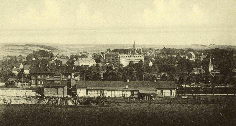 1920er Bahnhof und Stadt