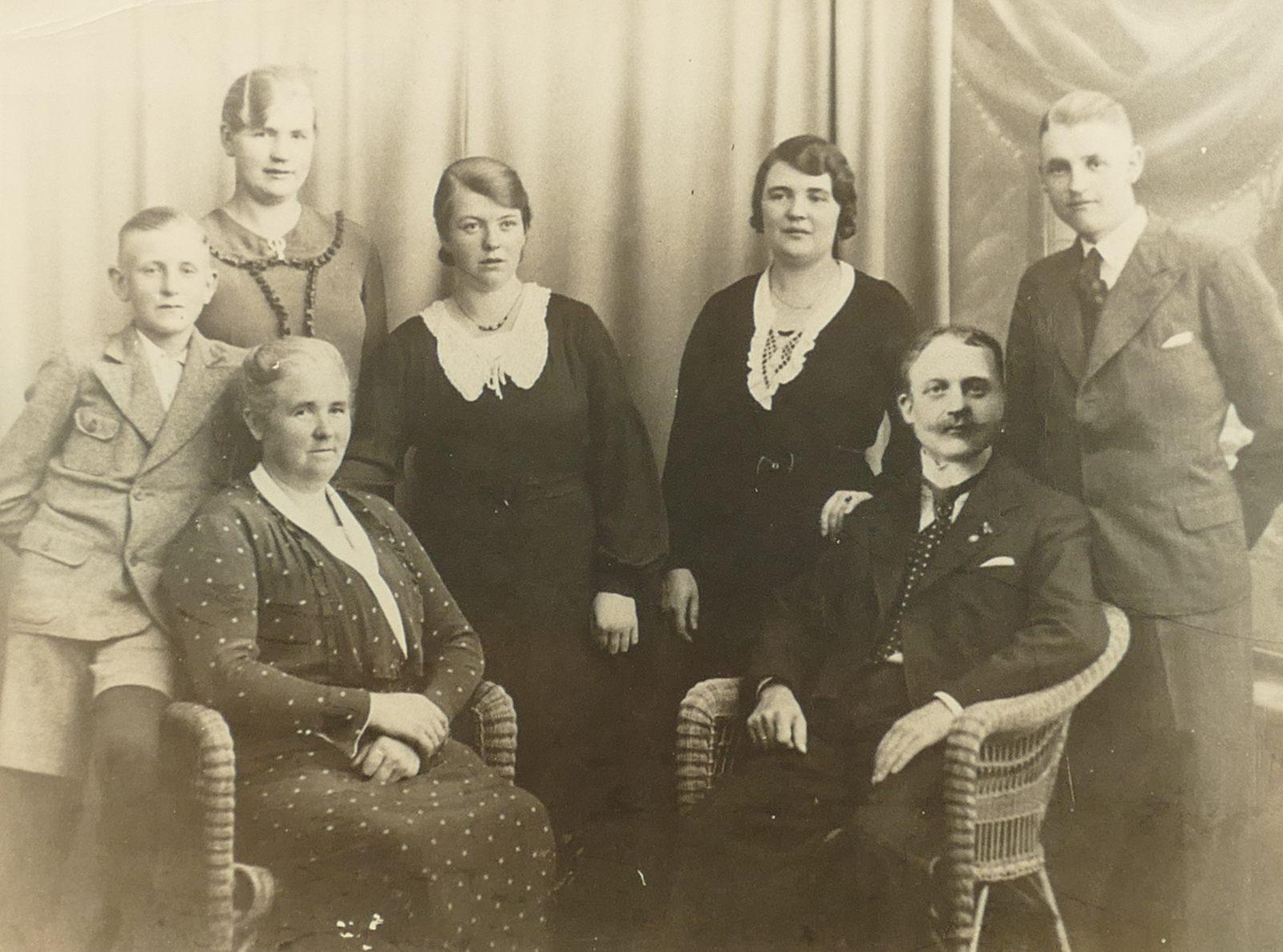 1937 Papa Familie