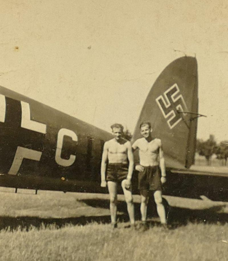 1943 Papa vor He111_3