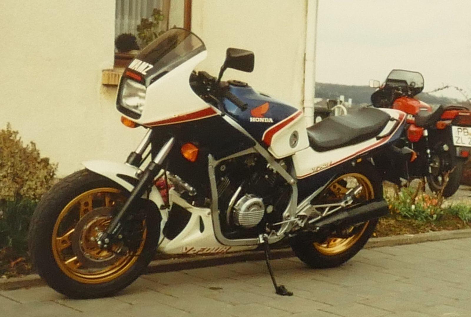 1983 Honda VF750F_1600b