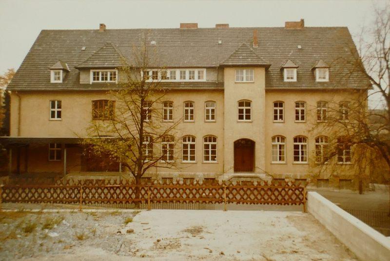 1983 Mädchenschule