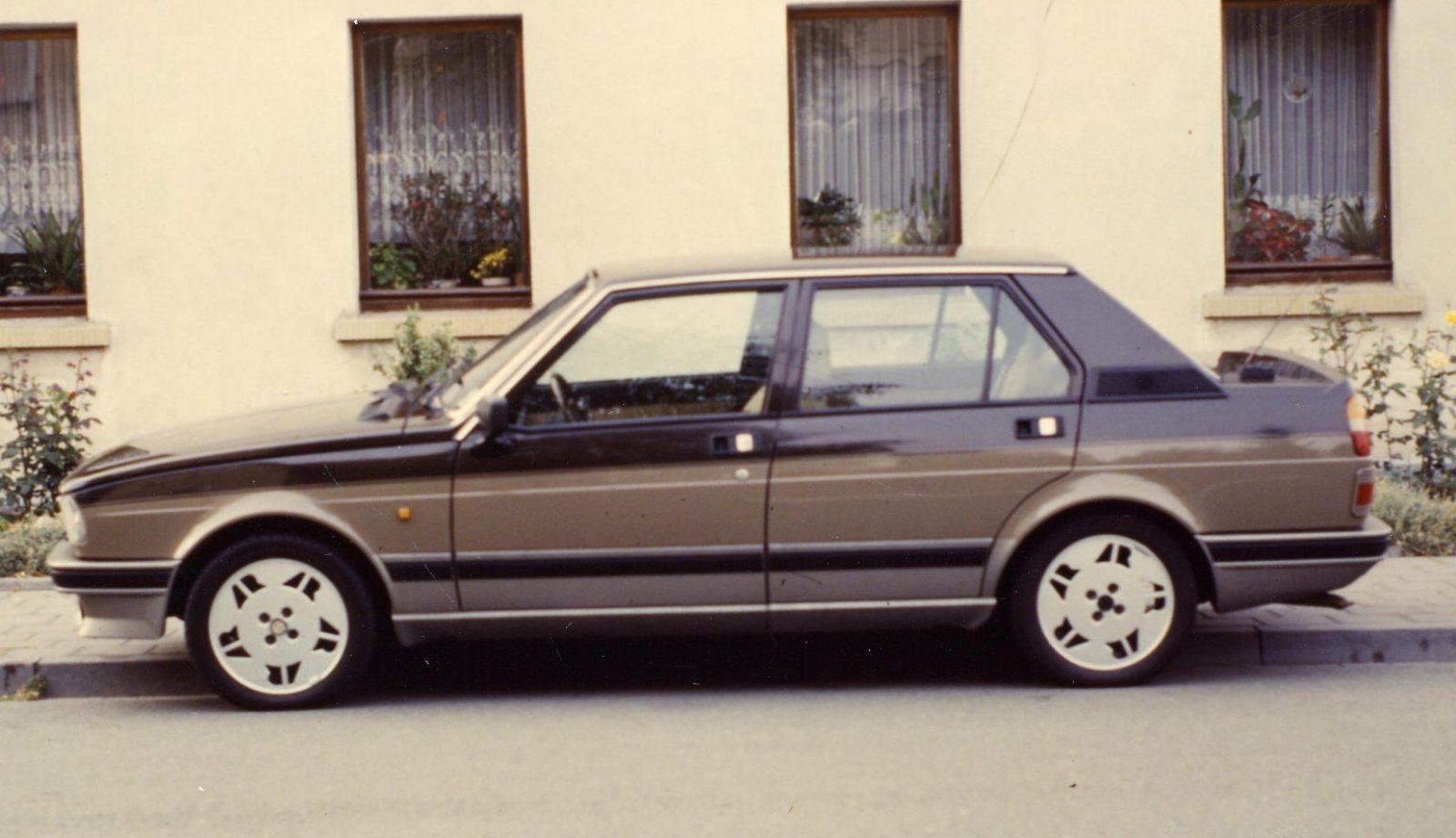 1986 AR Gulietta linke Seite