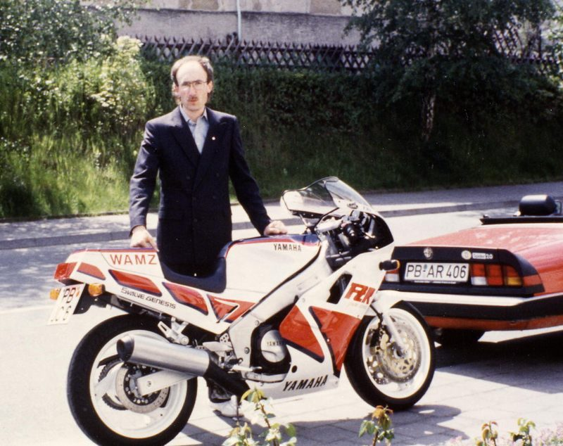 1987 FZR FW Anzug800