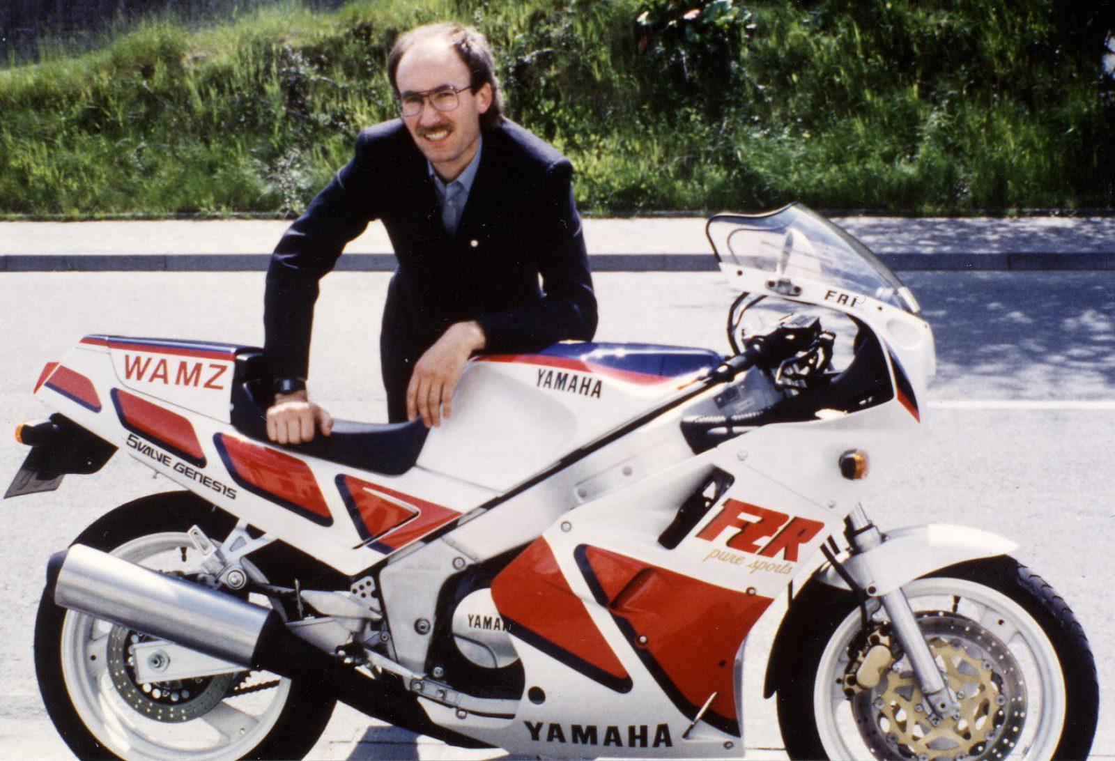 1987 FZR1000 FW Anzug2
