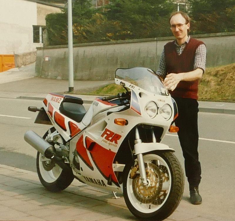 1987 FZR1000 FW2