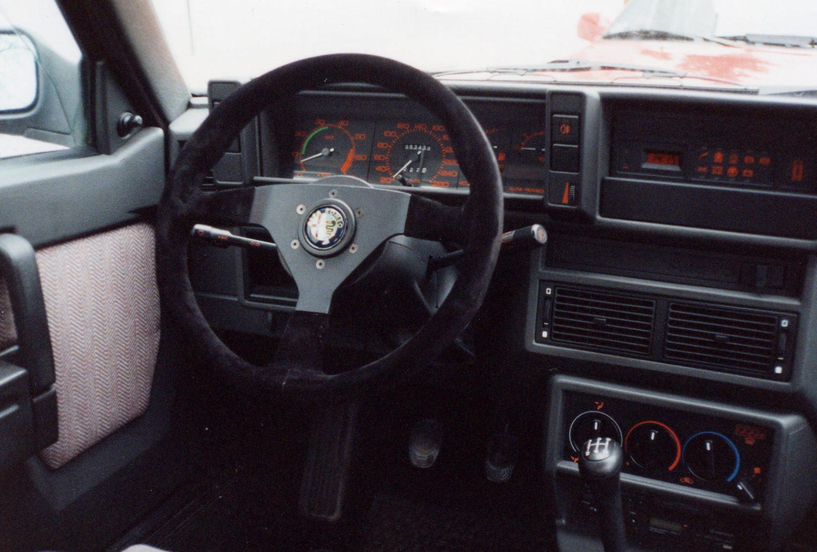 1994 AR75 Lenkrad