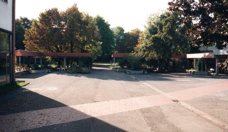 1995 Schulhof_800