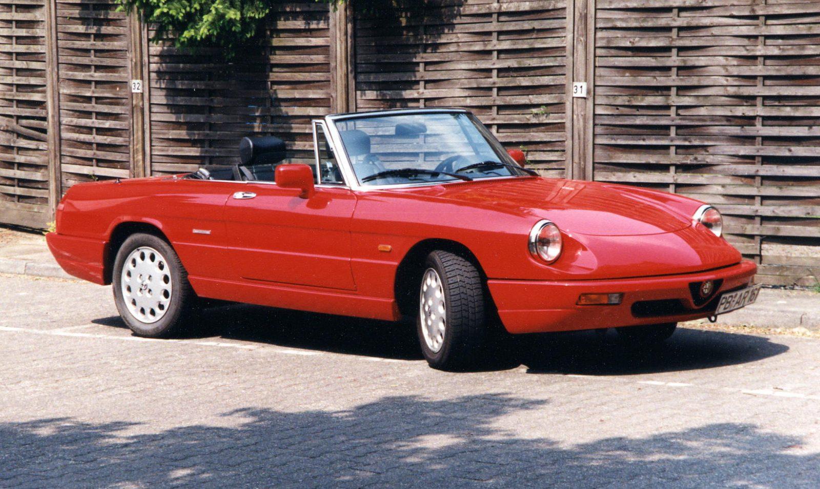 1997 AR Spider 2000