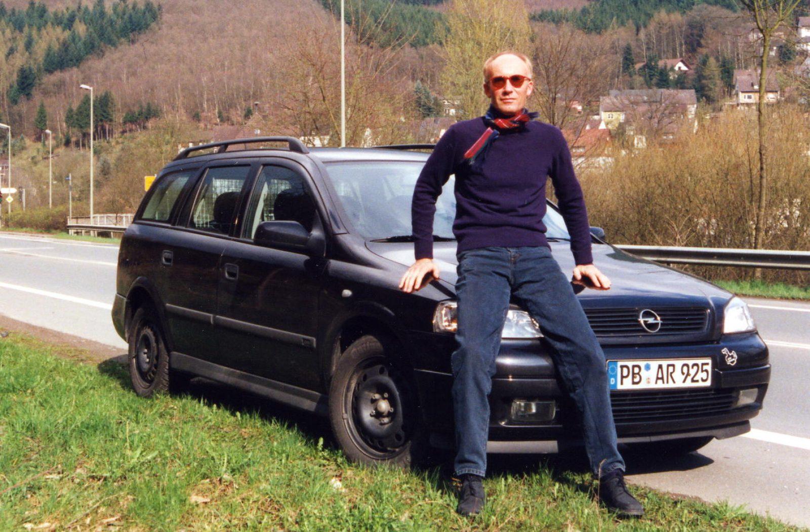 1999 Opel Astra Caravan 2000 b