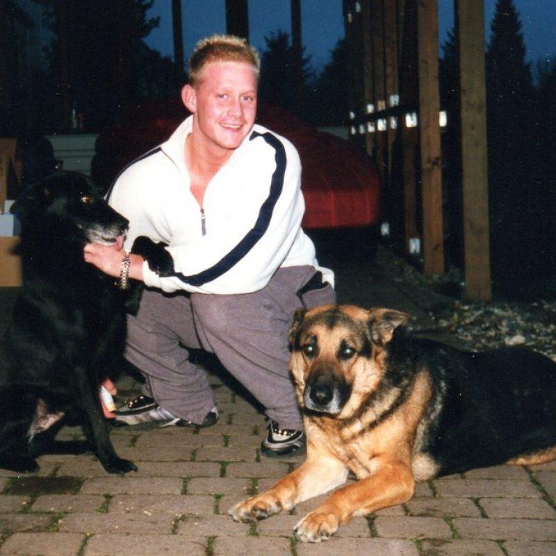 2001 ChrisHunde