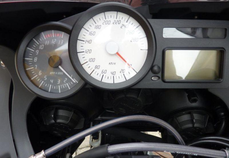 2010er BMW K1300S Instrumente
