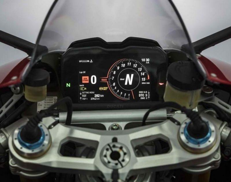 2010er Ducati Panigale V4S B2