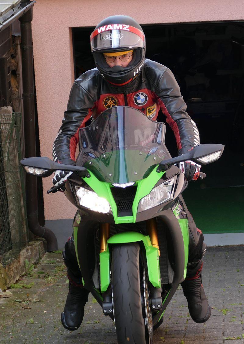 2016 ZX10R02
