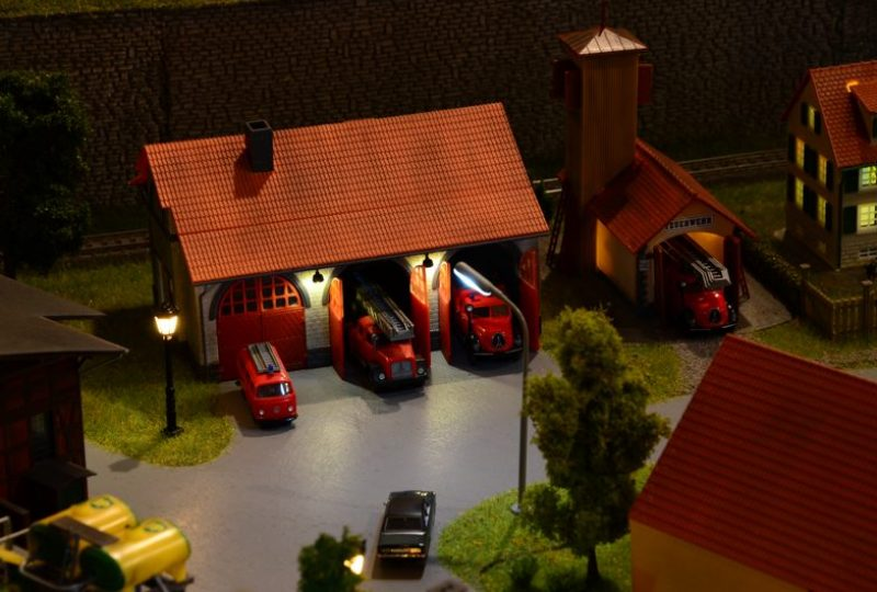 Bürener Feuerwehr bei Nacht