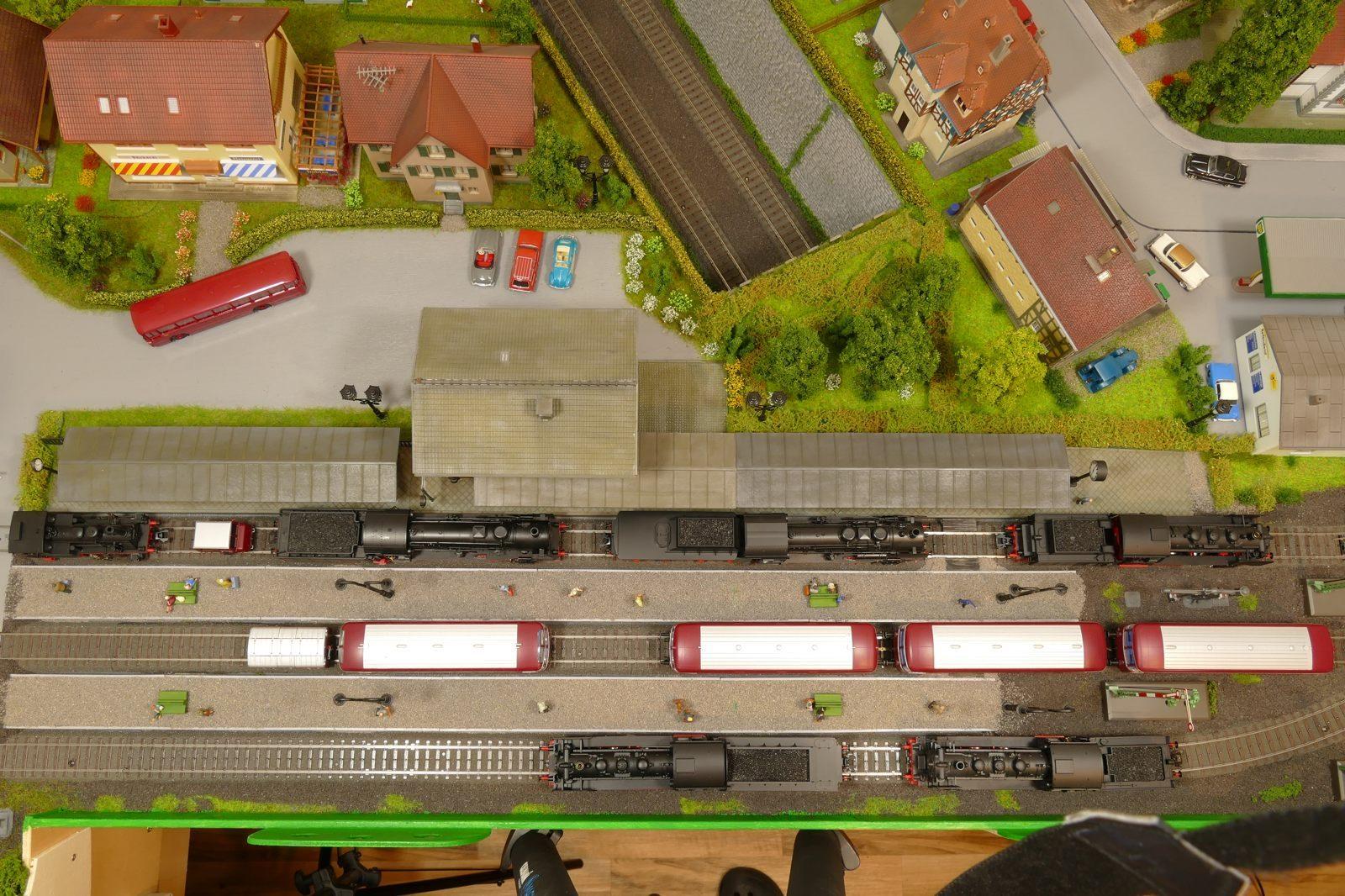 Bahnhof Büren von oben: Dampfloktreffen!