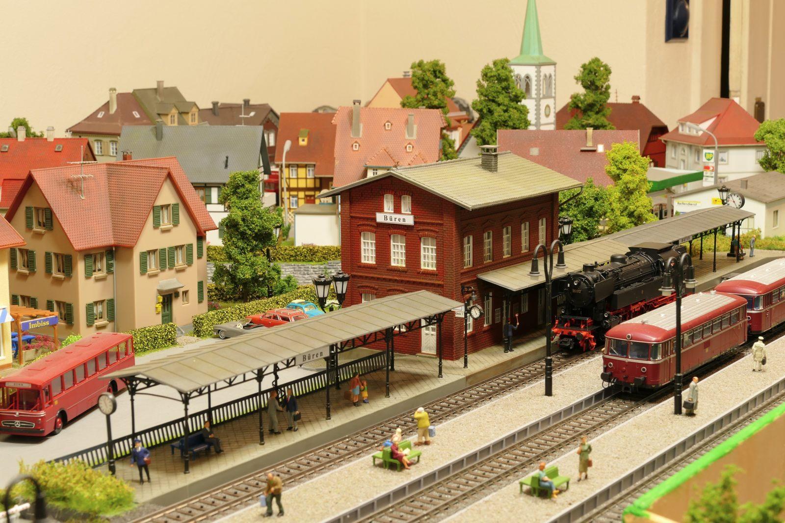 Bahnhof Büren