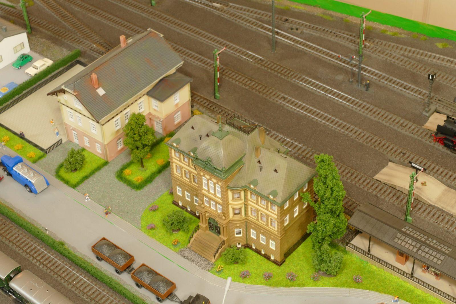 Post und Rathaus