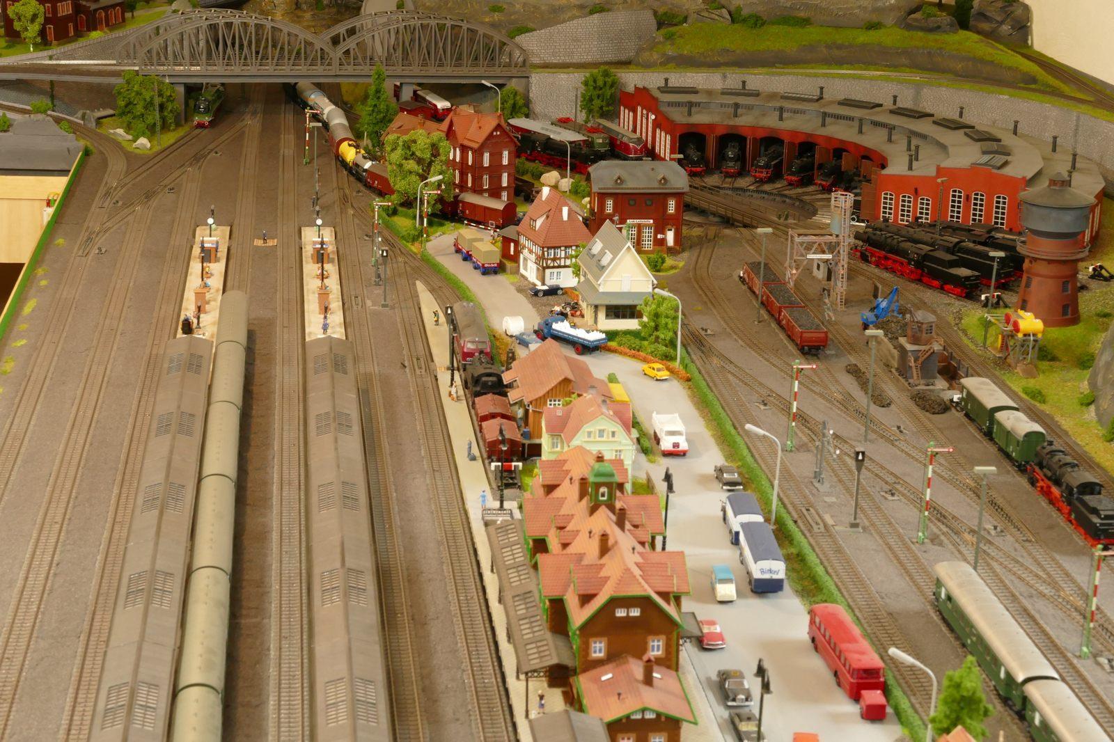 Hbf: Bahnanlagen