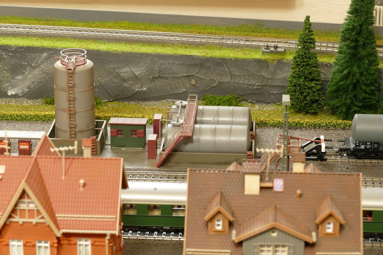 Tankanlagen für ölgefeuerte Dampfloks der BR 41 und 44