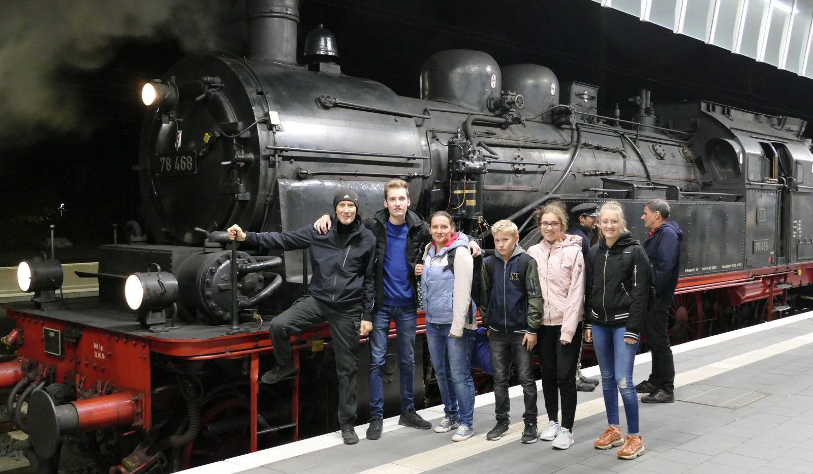 20191027 Familie MS Dampflok