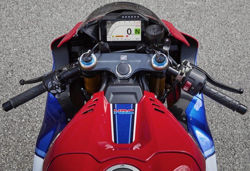 2020er Honda CBR1000RR Cockpit_0800