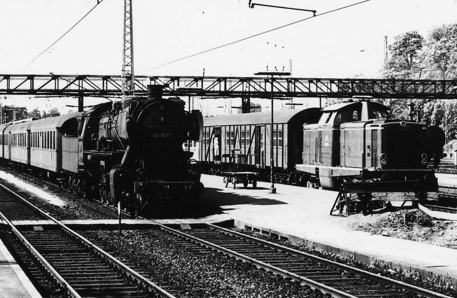 22 E452 196606 Marburg mit V100 JAB