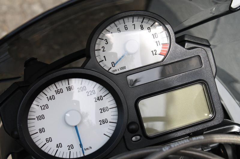 BMW K1300R Instrumente