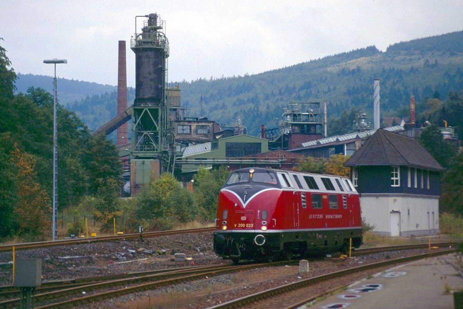 F05 V200 033 in Brilon-Wald 1995 iimHigrund DegussaWerk