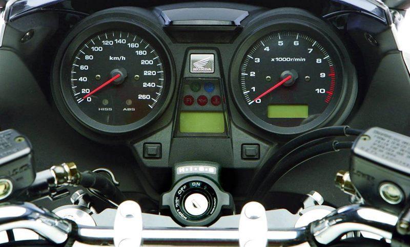 Honda CB1300 Instrumente2