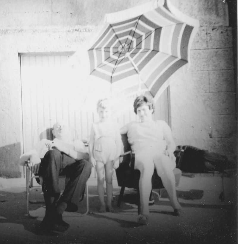 WH 1967 Familie hinterm Haus_0800