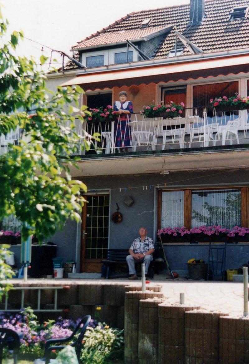 WH 1997 PapaMama Balkon u Bank 1997