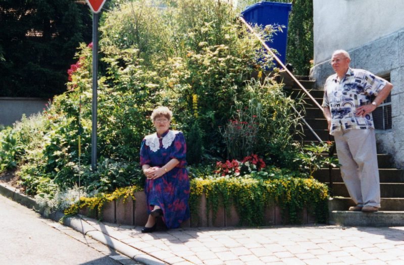 WH 1997 PapaMama neben Haus