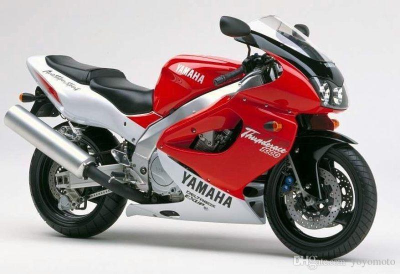 Yamaha YZF Thunderace vornrechts 1996